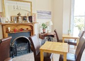 Guest Breakfast Room - B&B Alcuin Lodge